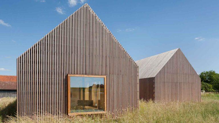 Holzhaus im Grünen