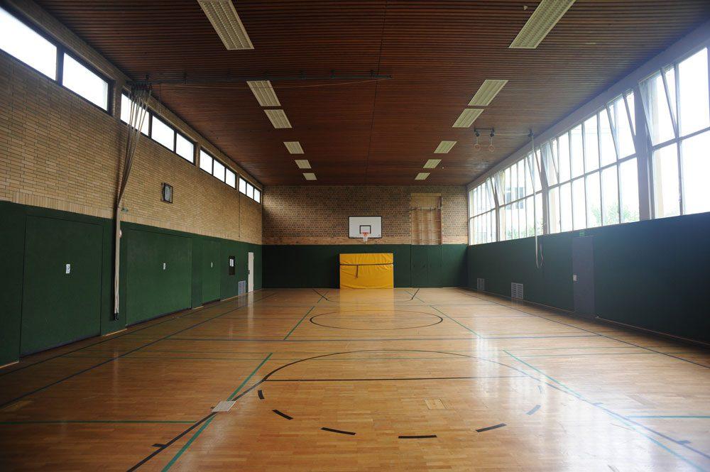 Turnhalle vor Sanierung