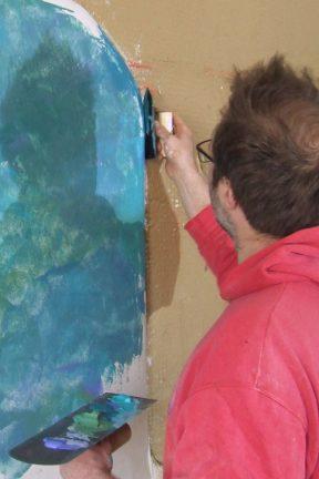 Arbeit mit blauem Kalk