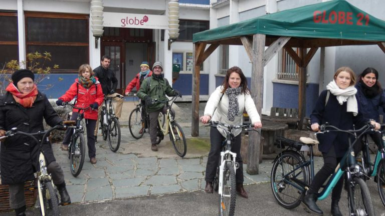 Fahrradtrupp vor der Abfahrt