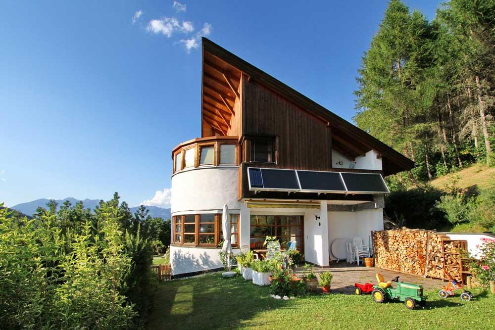 Wohnhaus mit Solar-Luft-Anlage